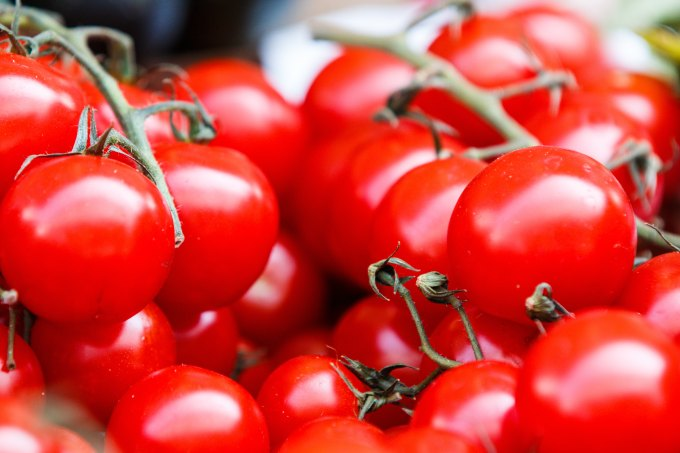 tomatoes ©Photo by Thomas Martinsen on Unsplash